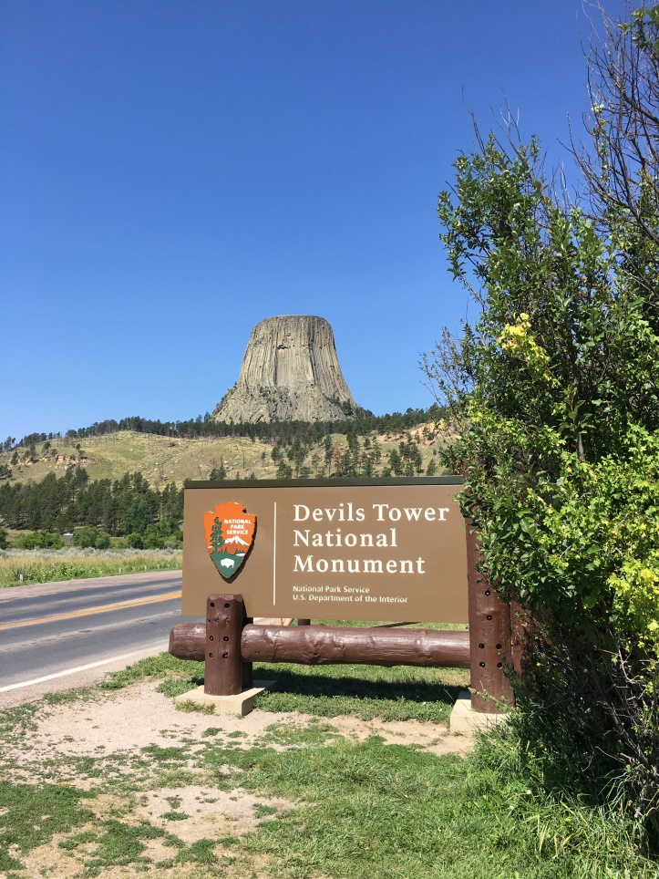 1a - Devils Tower (Entrance Sign)